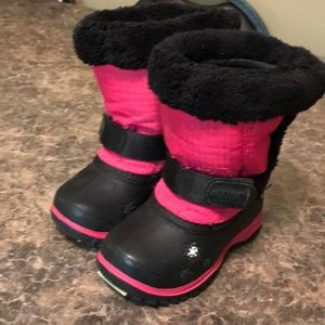 Size 8 Baffin winter boots